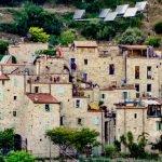 Il borgo medievale di Torri Superiore ad oggi completamente ristrutturato